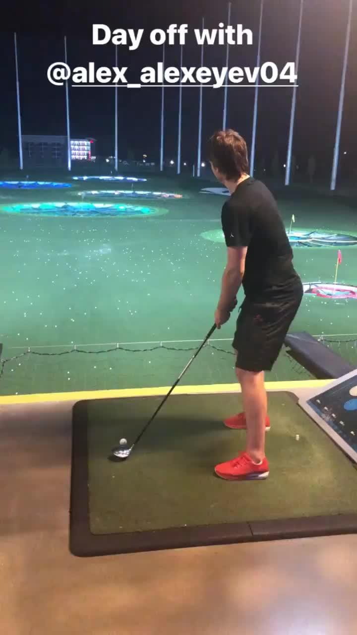 Ilya Samsonov golfing GIFs