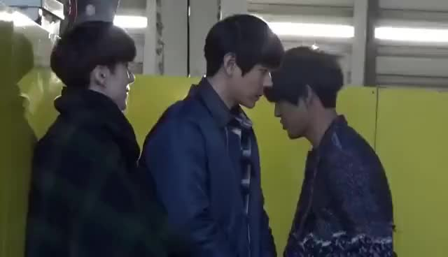Watch and share 140325 HISTORY Kyungil.dokyun.jaeho 名古屋パッセ GIFs on Gfycat
