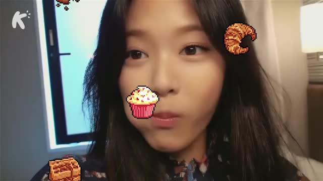 Watch and share Hyunjin GIFs and Heejin GIFs on Gfycat