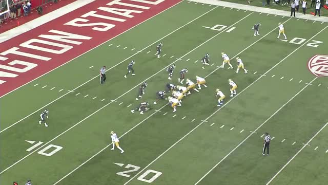 Watch and share Wazzu19 21p RB Bubble Screen (259) GGWP GIFs on Gfycat