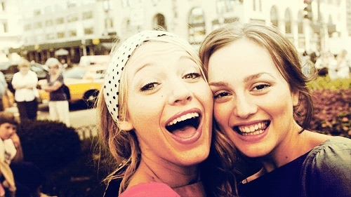 bestfriends, bff, blakelively, friendshipgoals, gossipgirl, seasonone,  GIFs