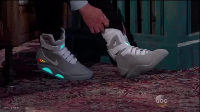 Watch Nike Air Mag's actually self lacing GIF by picnicterrace on Gfycat. Discover more backtothefuture, future, gifs GIFs on Gfycat