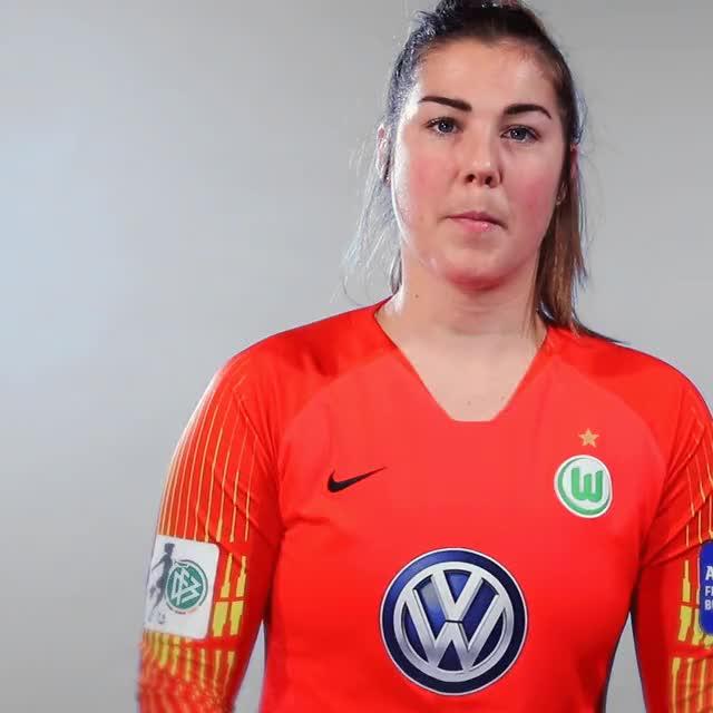 Watch and share 27 Lookaround GIFs by VfL Wolfsburg on Gfycat
