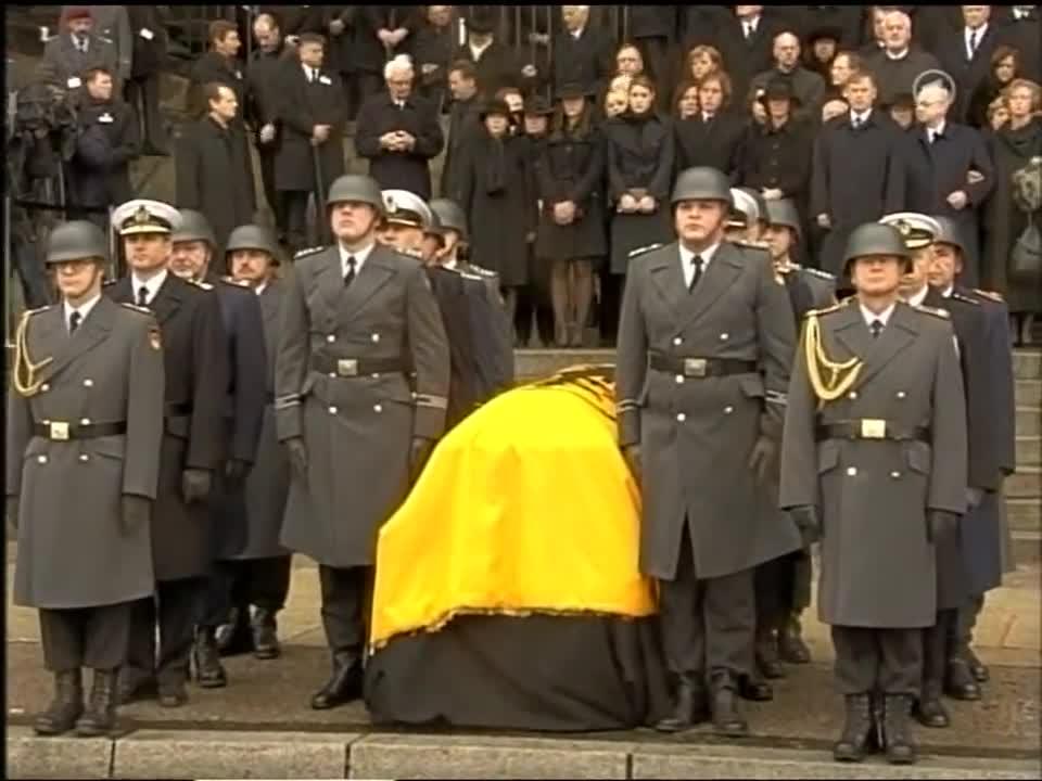Berlin, Bundespräsident, Bundeswehr, Johannes Rau (Politician), Politik, Staatsakt, Trauerfeier, Trauermarsch, Trauermusik, Wachbataillon (Armed Force), German Infantry Drill GIFs