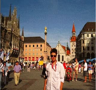After the war and with the altes rathaus behind me, and the Ludwig Beck shop being built amidst the ruins and as it appears today