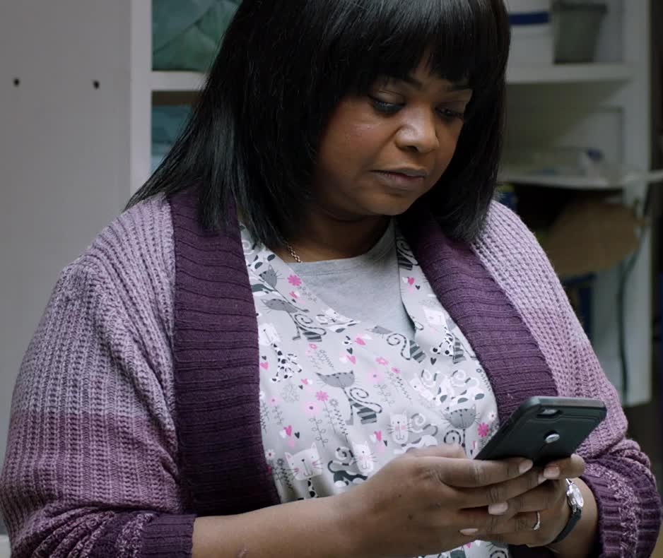 busy, ma, ma movie, octavia spencer, texting, MA Texting Octavia Spencer GIFs