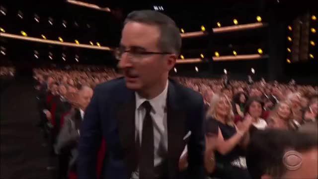 Watch this emmys GIF by @tsubaki on Gfycat. Discover more EmmyAwards2017, Emmys, Emmys2017, John Oliver GIFs on Gfycat