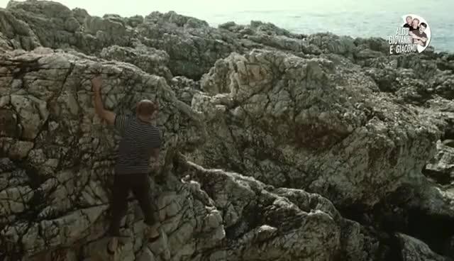 Watch and share Aldo E La Roccia Friabile - Tre Uomini E Una Gamba GIFs on Gfycat