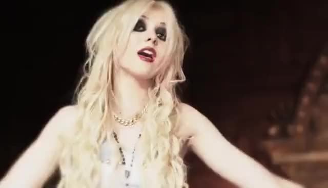 Watch this taylor momsen GIF on Gfycat. Discover more momsen, taylor, taylor momsen GIFs on Gfycat