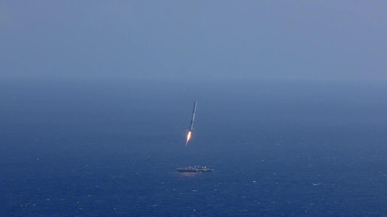 michaelbaygifs, CRS-6 First Stage Landing (reddit) GIFs
