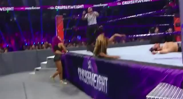 sasha in short shorts on RAW