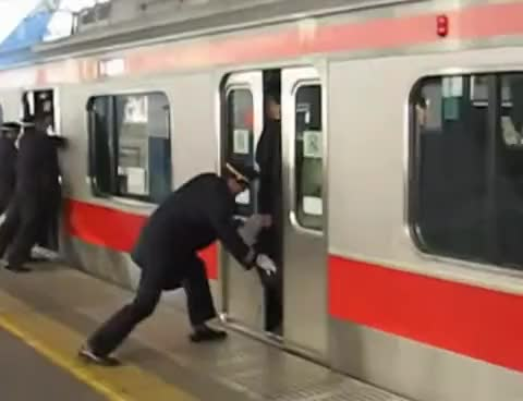Watch this subway GIF on Gfycat. Discover more Japan, Subway, japan, subway GIFs on Gfycat