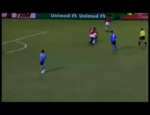 Watch and share Guinazu Edinho Grenal GIFs on Gfycat