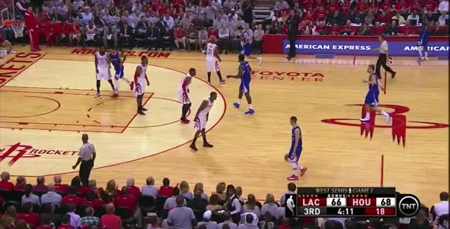 Watch this GIF by @retartedmoosegas on Gfycat. Discover more laclippers, nba GIFs on Gfycat