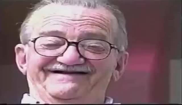 Watch and share Velho Dando Risada E Tusindo Memes Croma Key Para Baixar Fundo Verde GIFs on Gfycat