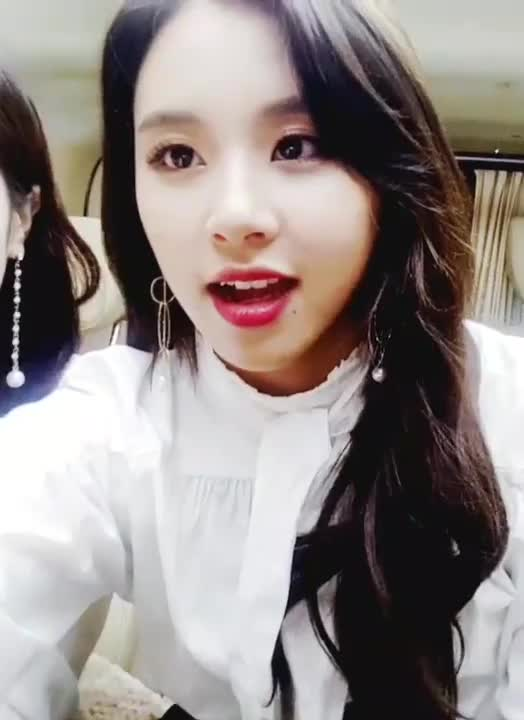 Watch and share Chaeyoung GIFs and Twice GIFs by Dang_itt on Gfycat