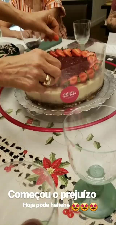 Watch and share Dianazambrozuski 2018-12-25 09:31:27.769 GIFs by Pams Fruit Jam on Gfycat