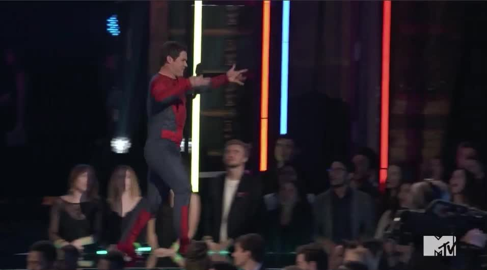 Adam Devine, MTV Awards 2017, MTVAwards, MTVAwards2017, spiderman, Spider....Man? MTV Awards 2017 GIFs