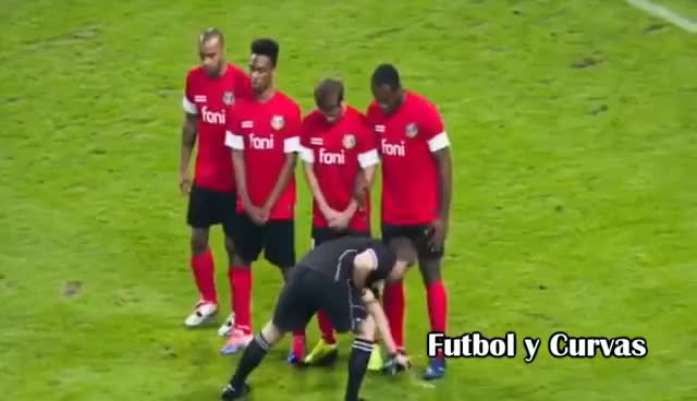 Watch and share Momentos Divertidos Con Espuma En El Fútbol ● Vanishing Spray Best Funny Moments GIFs on Gfycat