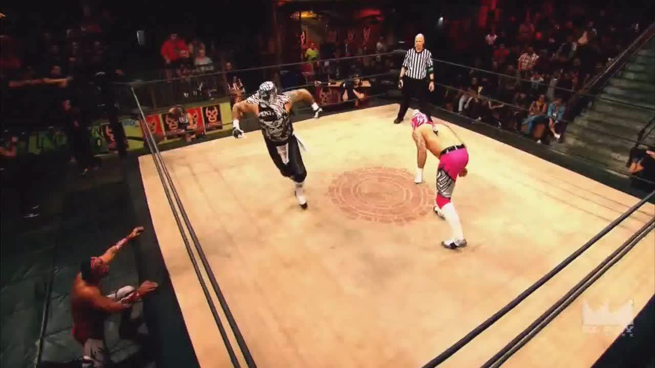 LuchaUnderground, SquaredCircle, luchaunderground, Lucha Underground - Pentagon Jr. hits Fenix with a nice DDT! GIFs