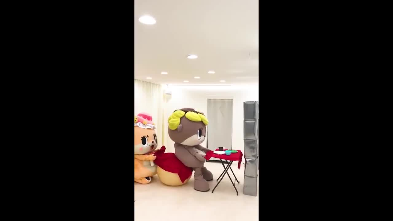 otter, 【Part6】ちぃたん☆欲張り動画セットJapanese Mascot Fails, Fights & Funny Moments Video GIFs