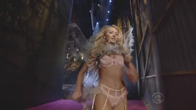 Watch and share Candice GIFs by linusvan on Gfycat