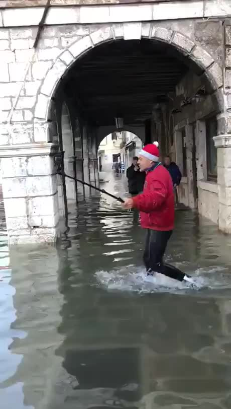 Watch and share Venice GIFs and Funny GIFs by esberat on Gfycat
