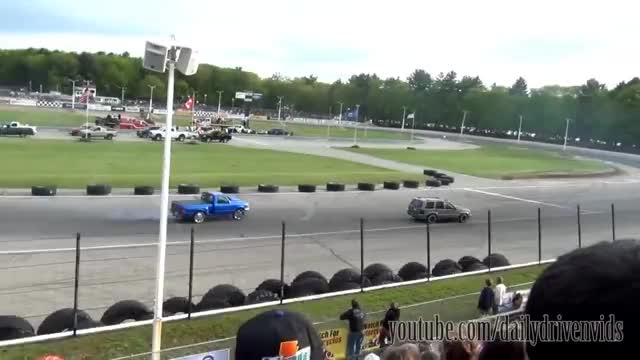 Watch and share Ford Ranger Crash GIFs and Sectator Drags GIFs on Gfycat