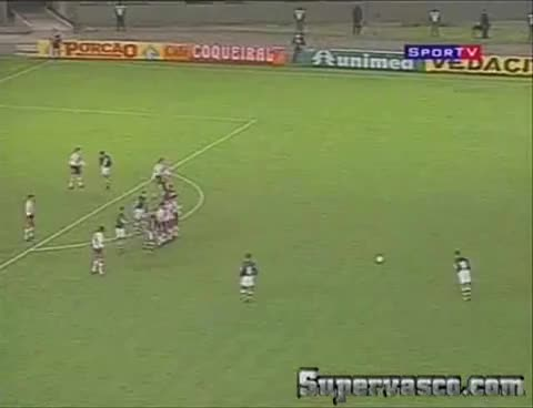 Watch and share Juninho Monumental GIFs on Gfycat