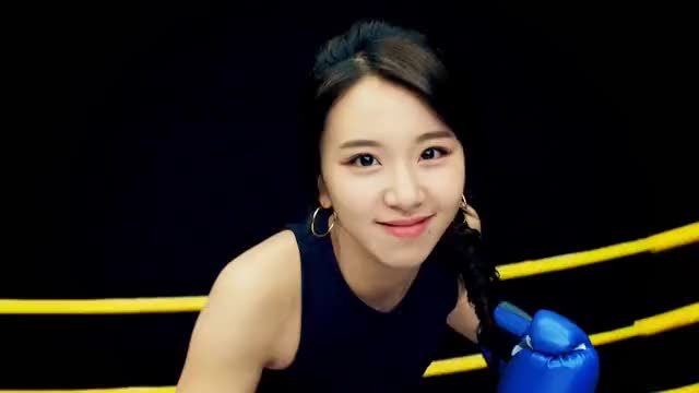 Watch Chae box 5 GIF by Jer (@jersucks) on Gfycat. Discover more Chaeyoung, One More Time, Twice, kpop GIFs on Gfycat