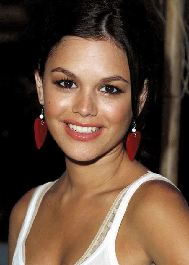 Watch and share Rachel Bilson GIFs by Danno on Gfycat