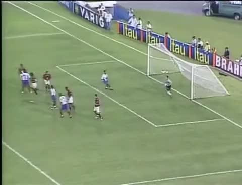 Watch and share Julio César Faz Lambança Mas Flamengo Vence Bahia Por 2 A 1 Pelo Brasileiro De 2003 GIFs on Gfycat
