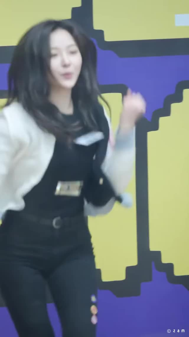 Watch and share Hyeseong 191118 [L8HB9UFGptk]-3 GIFs by moonberries on Gfycat