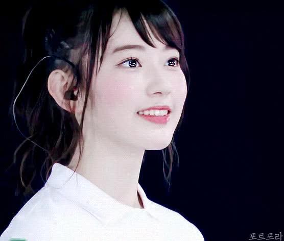 Watch AKB48 | IZ*ONE - Miyawaki Sakura GIF by KPopGG (@kpopgg) on Gfycat. Discover more AKB48, IZ*ONE, IZONE, Miyawaki Sakura, Sakura GIFs on Gfycat