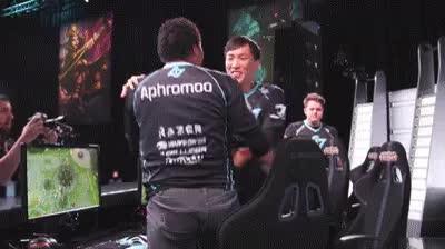 Doublelift - Hug