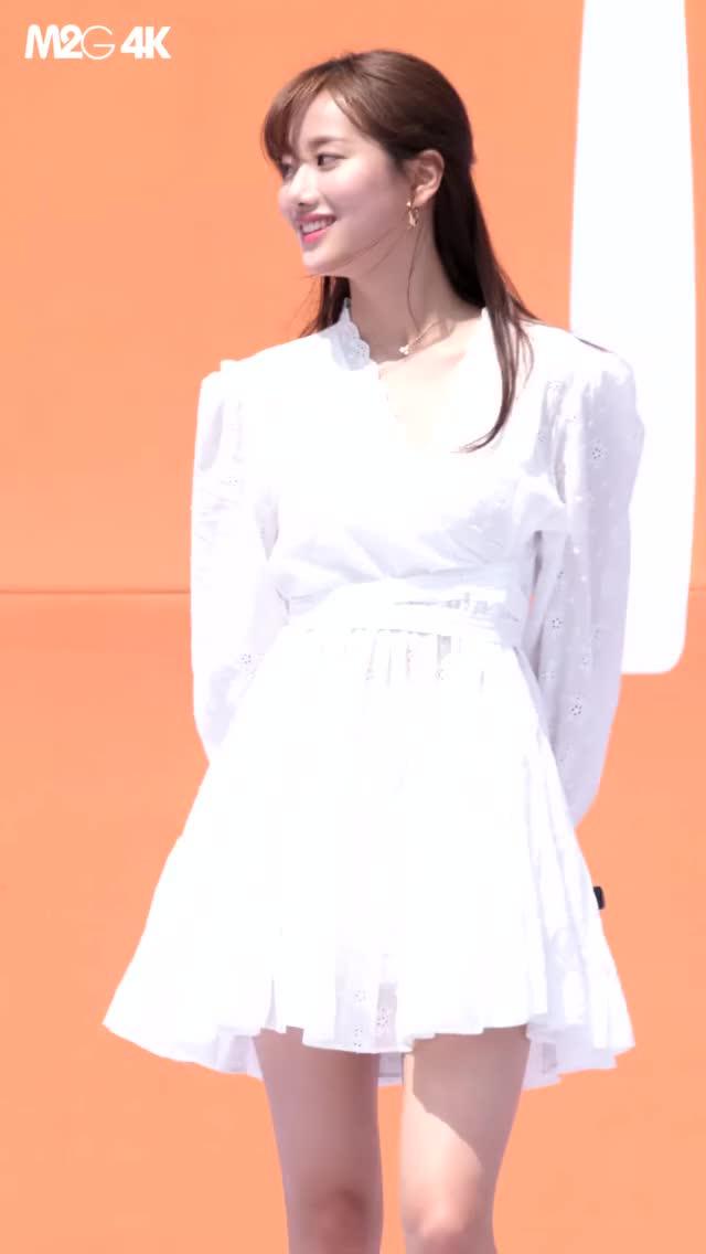 Watch and share 190501 April Naeun [-jCfrKefF_g]-1 GIFs by Mecha熊 ✔️  on Gfycat