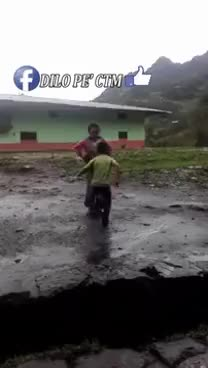Watch niños Peruanos GIF on Gfycat. Discover more related GIFs on Gfycat