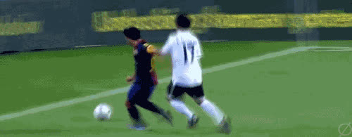 Jose Andrés Guardado  of Valencia gets owned by Xavi Hernandez in Barcelona's 1-0 Victory. GIFs