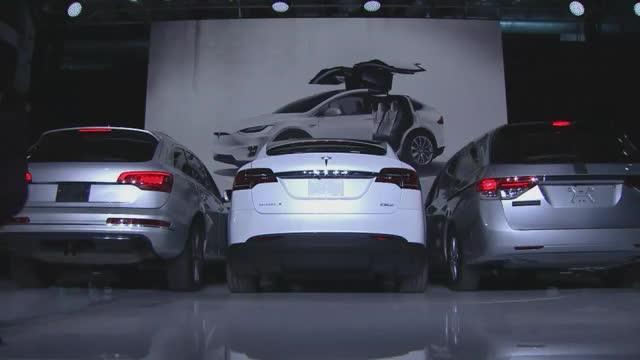 Watch Tesla Model X - Falcon Wings GIF by @jackalriot on Gfycat. Discover more falcon wings, model x, tesla GIFs on Gfycat