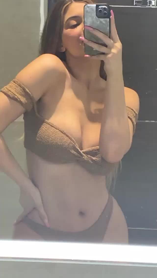 kylie Jenner's sexy milf body