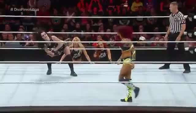Paige, Sasha Banks, Paige vs Sasha Banks GIFs