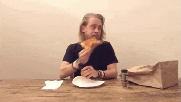Watch and share Macaulay Culkin GIFs by Vinegret on Gfycat