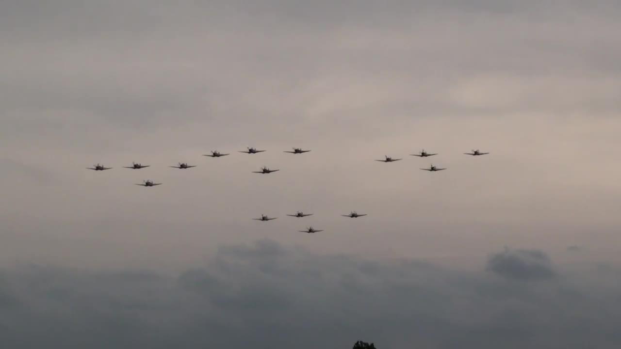 WWIIplanes, militarygfys, planesgonewild, 16 Spitfire formation in a flypast. (reddit) GIFs
