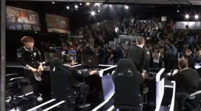 TeamSolomid, leagueoflegends, teamsolomid, WORSHIP ME - Team SoloMid's Lustboy GIFs