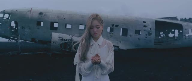 Watch and share XIIX - 이달의 소녀 (LOONA)2 GIFs by theangrycamel2019 on Gfycat