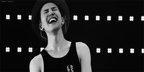 4 thế hệ idol nam Kpop khiến fan ngất lịm mỗi khi khoe mắt cười ảnh 5