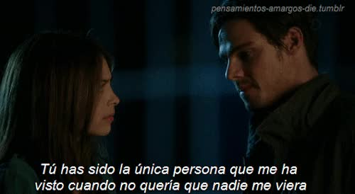 Watch and share No Vallas A Llorar GIFs on Gfycat