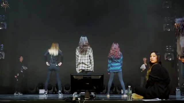 Watch Dreamcatcher cover Celeb Five GIF by @cuculcinn on Gfycat. Discover more Celeb Five, Cute, Dreamcatcher, Kpop GIFs on Gfycat