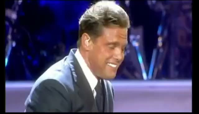 Watch and share Luis Miguel-Vivo 5/11 [HD] GIFs on Gfycat