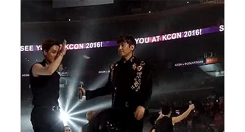 Watch RicDy greeting fans~ & then RicDy ft. Hyesung lol .. Syung w GIF on Gfycat. Discover more Eric's look at Syung lol, KCON15LA, andy, eric moon, eric mun, hyesung, memaeric:edits, ricdy, ricsyung, ricsyungdy, shinhwa, shinhwa KCON 2015, shinhwa LA 2015, why is that Syung? xD GIFs on Gfycat